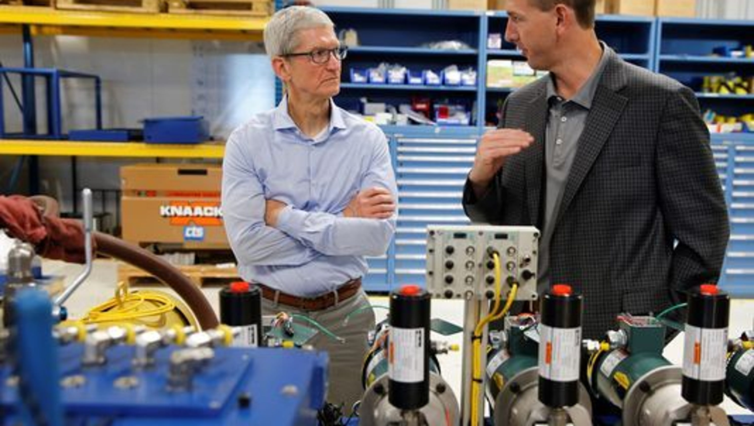Tim Cook S Swing Through Midwest Is Politician Like