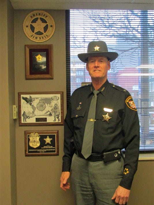 0e1be664abfe8 Column  West Side background prepared sheriff