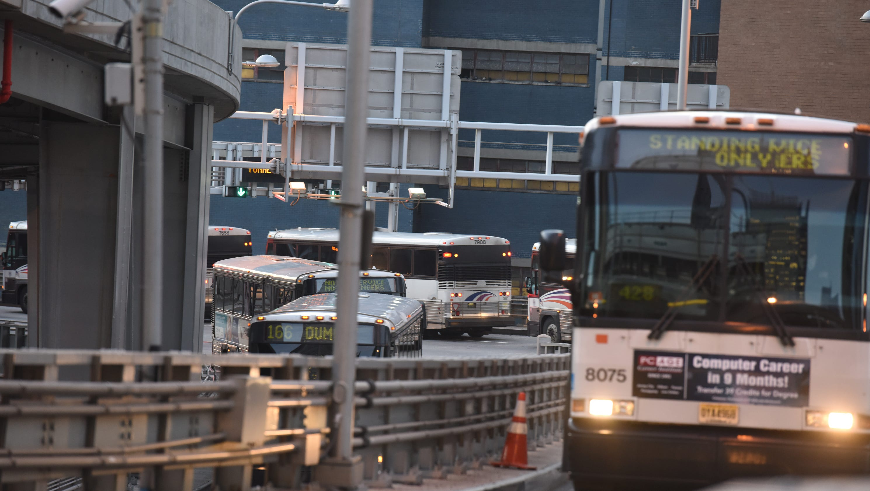 NJ Transit adds extra buses and trains for Thanksgiving