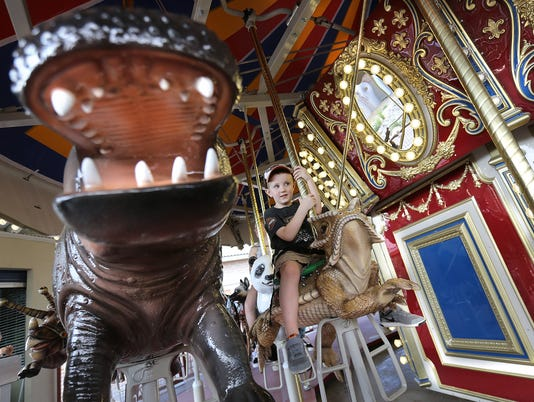 MAIN-Zoo-Endangered-Species-Carousel-.jpg