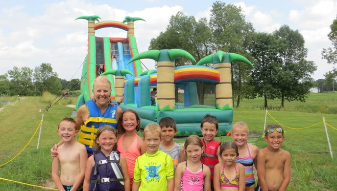 Pictured with Parish are, back row, from left: Abygail Miners, Jackson Gerner, Noah Thomas, Allison Buelow and Finley Blagoue. Front row, from left, are: Mason Ratzel, Josselyn Bierman, Aiden Feldner, Mya Ziebert and Brooklynn Nummerdor. Not pictured are Aiden Percy and Axxin Smith.