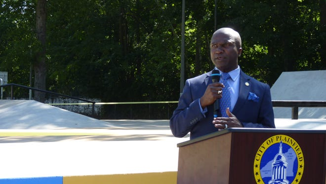 Plainfield Mayor Adrian Mapp at the ribbon cutting ceremony of the city's new skate park.