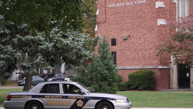 Multiple law enforcement agencies responded to the Glen Rock High School building on Friday afternoon, in response to a bomb threat. The building was evacuated as a precaution.