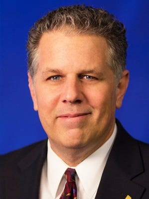 Former Channel 4 reporter Dennis Ferrier in his official WSMV headshot