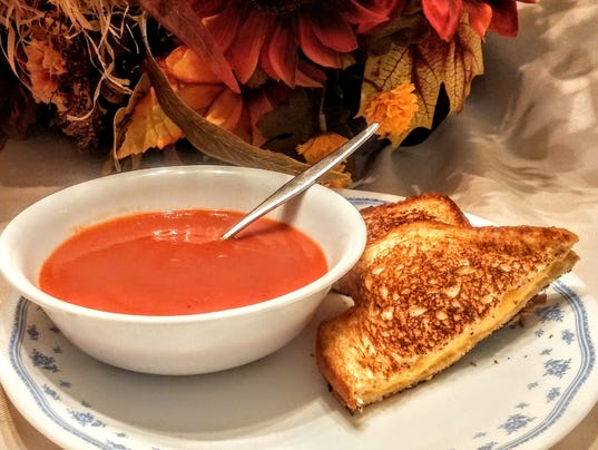Tomato-soup-and-grilled-cheese-sandwich.jpg