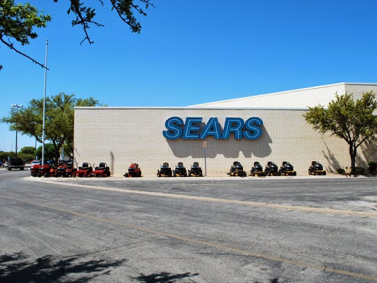 Exterior of San Angelo's Sears store located at the