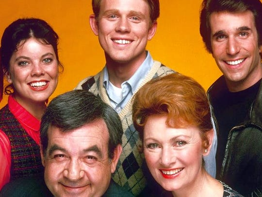Marion Ross and cast of Happy Days