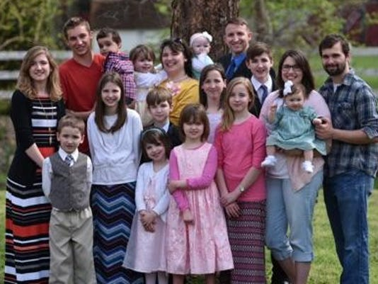 636444649096017915-Family-Pic-with-Mary.jpg