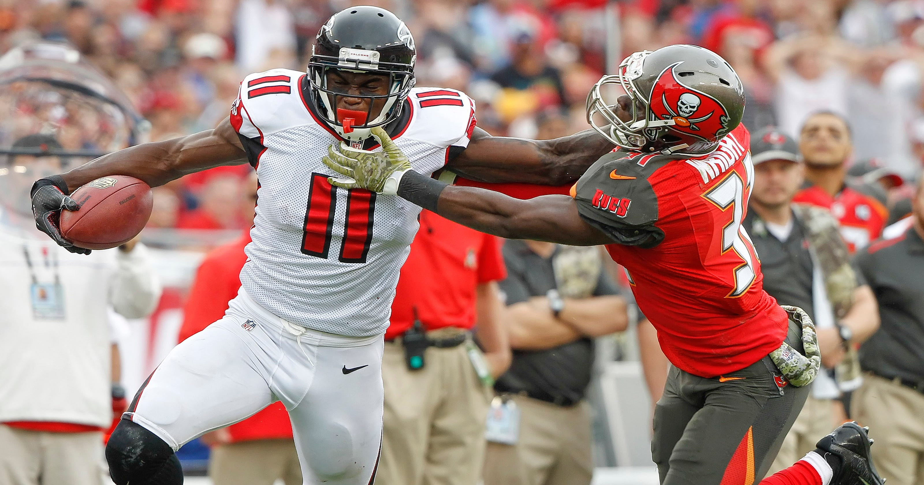 9680c2e0 Falcons snap 5-game skid with 27-17 win over Bucs