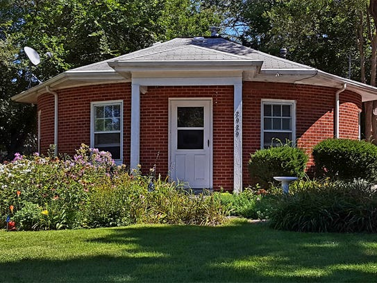 One of 14 round houses in Des Moines sits on 49th Street