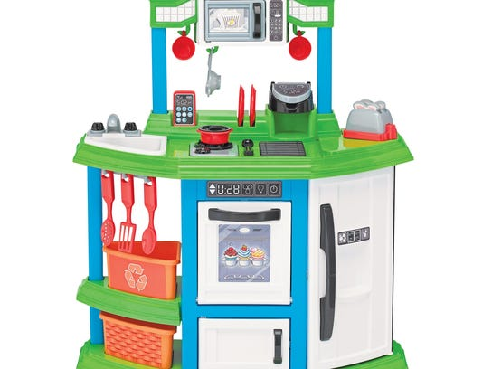 Toy kitchen