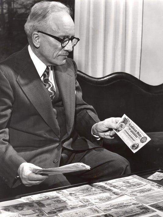 Russell-C.-Davis-1954-fr-ACT.jpg