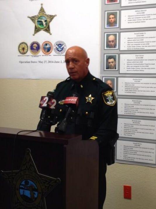 Lee deputies arrest 24 men during sex predator sting