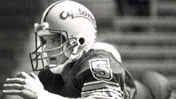Chris Pedersen guided a last-minute march to beat Oklahoma in 1990.