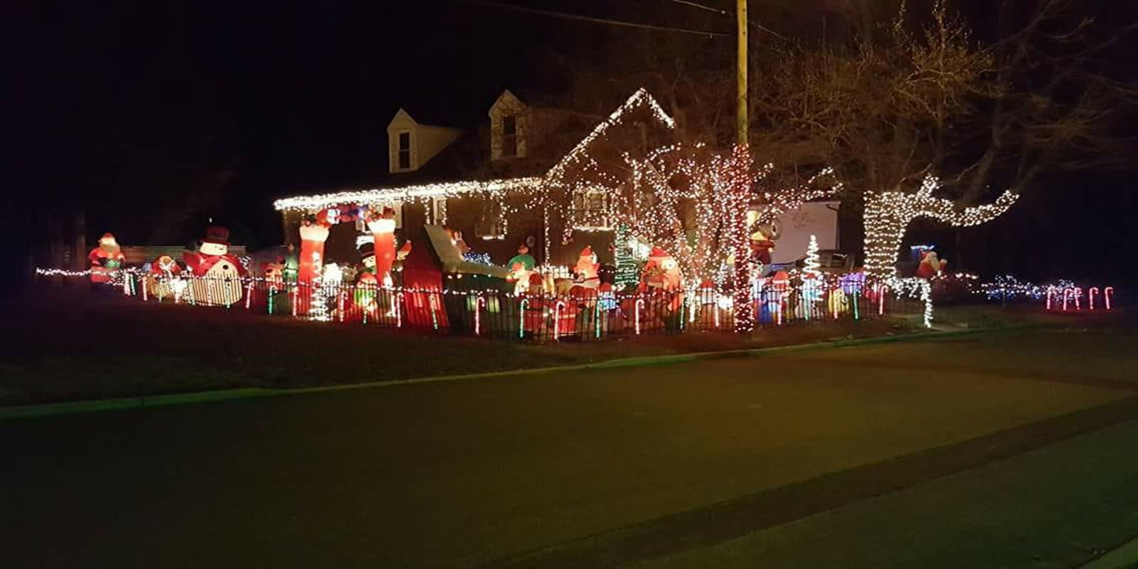 Christmas lights: Find displays in