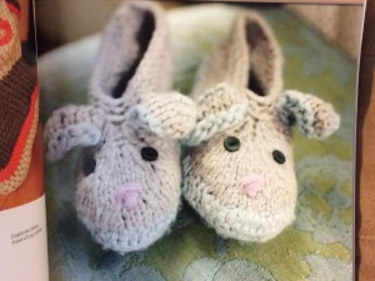 Book Review 25 Stylish Knitted Slippers