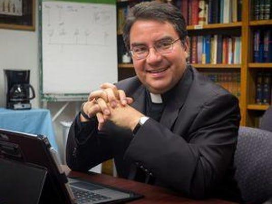 635858766116857291-Bishop-Oscar-Cantu-1