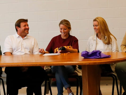 20151021_signing day