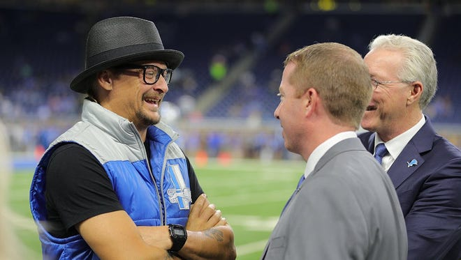 Kid Rock served as honorary captain for the Detroit Lions on Sunday