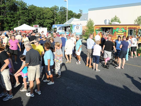 Food Trucks Good For Large Crowd In Ct