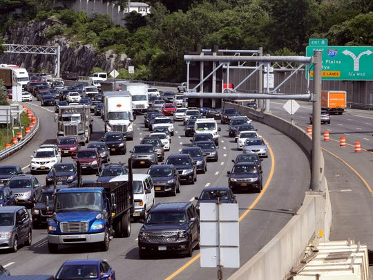 Traffic was heavy on the I-287 westbound approach to
