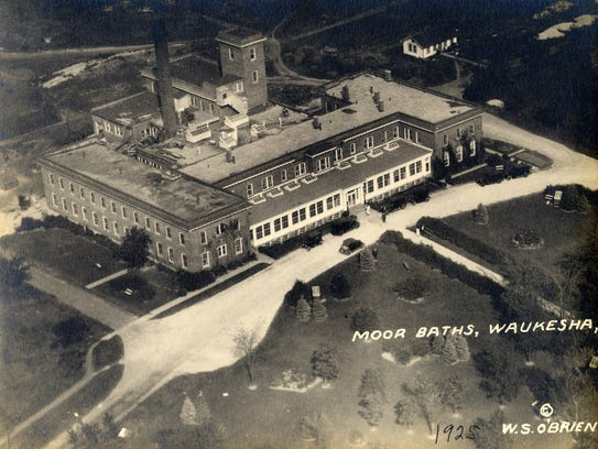 A 1925 aerial image of the Moor Mud Baths Hotel in