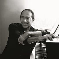 Paul Anka to perform solo hits at Silver Legacy show