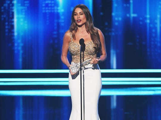 Sofia Vergara accepts an award for 'Modern Family'