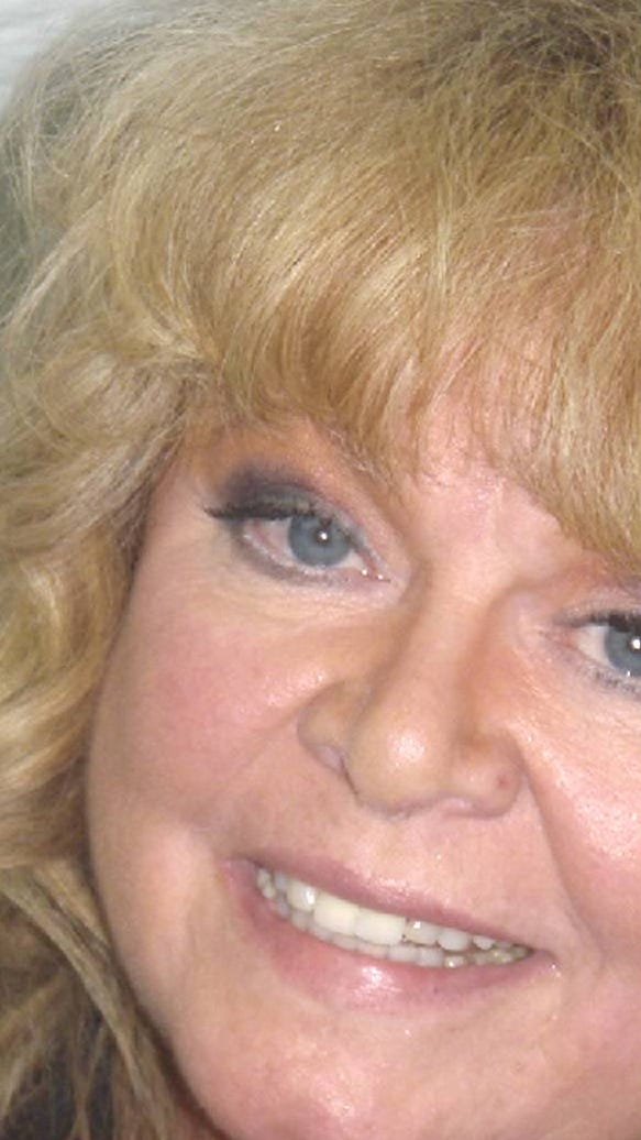 Sally Struthers booking photo