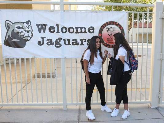 636391746578981967-indio-middle-school-first-day-2.jpg