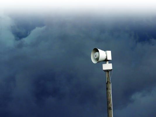 635992629579985037-LAFBer-11-20-2013-JC-1-A001-2013-11-19-IMG-SP-News-Tornado-Sire-1-1-FG5NC20A-L321164613-IMG-SP-News-Tornado-Sire-1-1-FG5NC20A.jpg