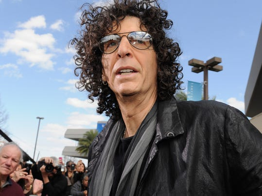 Howard Stern inks 5-year deal with SiriusXM to continue ...