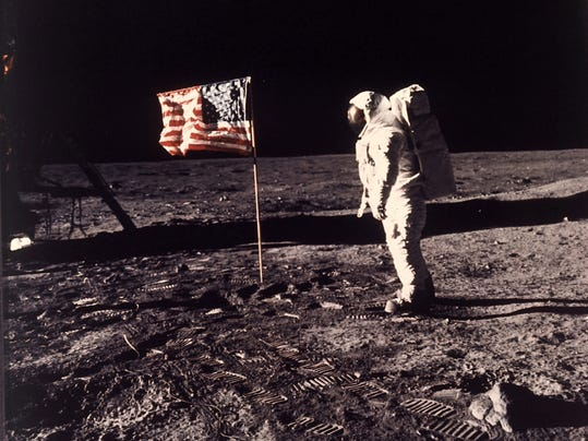 -Moon Anniversary.JPEG-06067.jpg_20140716.jpg