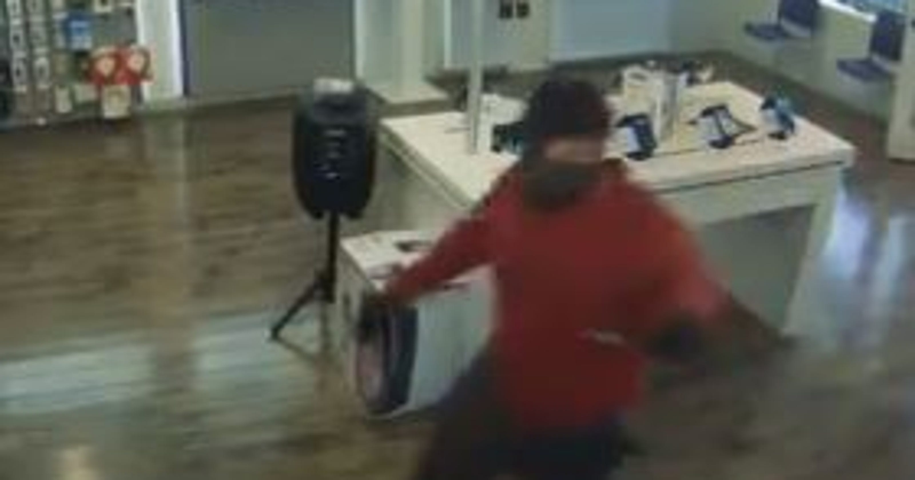 Video shows armed robbery of Chandler MetroPCS