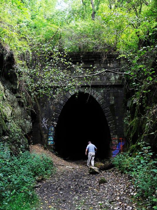 tunnel_002.JPG