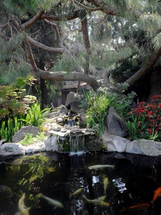 VTD0417_LIVING_Gardens_4.jpg