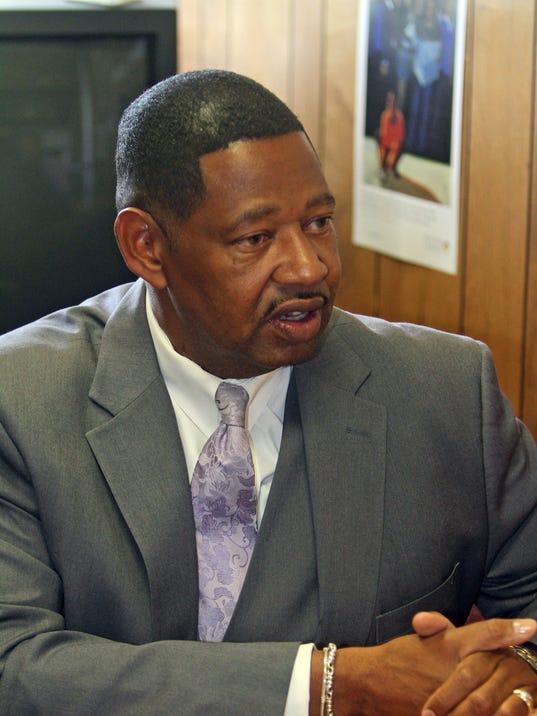 Mount Vernon Superintendent of Schools Kenneth Hamilton