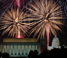 WASHINGTON, DC - JULY 04:  Fireworks light up the sky over the Lincoln Memorial, Washington Monument, and the U.S. Capitol on July 4, 2013 in Washington, DC. July 4th is a national holiday with the nation celebrating its 238th birthday.  (Photo by Mark Wilson/Getty Images)