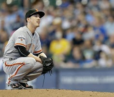 MILWAUKEE, WI - MAY 25: Tim Lincecum #55 of the San Francisco Giants during the game against the Milwaukee Brewers at Miller Park on May 25, 2015 in Milwaukee, Wisconsin. (Photo by Mike McGinnis/Getty Images)  *** Local Caption *** Tim Lincecum