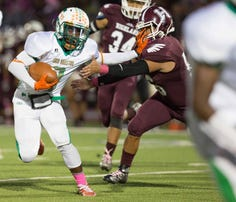 Sam Houston dominated in a 34-6 victory over Highlands on Thursday, Oct. 8, 2015, at Alamo Stadium.