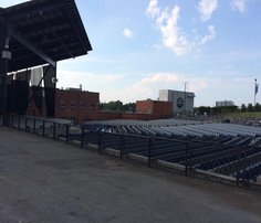 Mysterious smell stops Charlotte concert