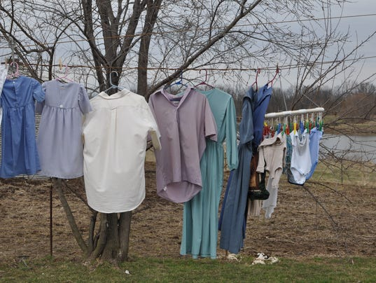 Amish Cook laundry line