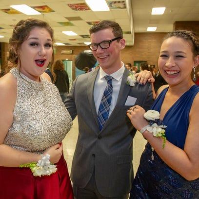 50 photos: Southeast Warren prom