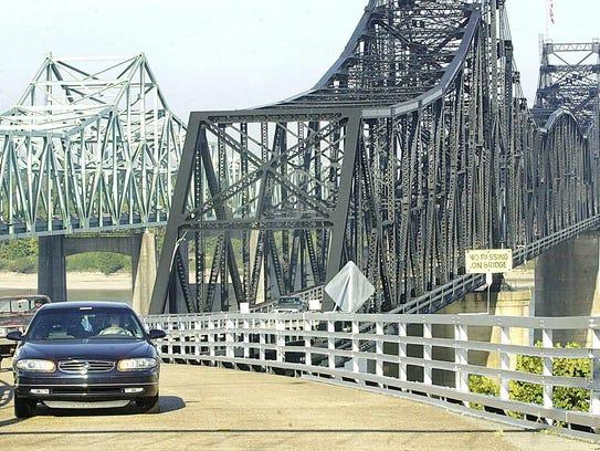 The Old Mississippi River Bridge in VIcksburg is the