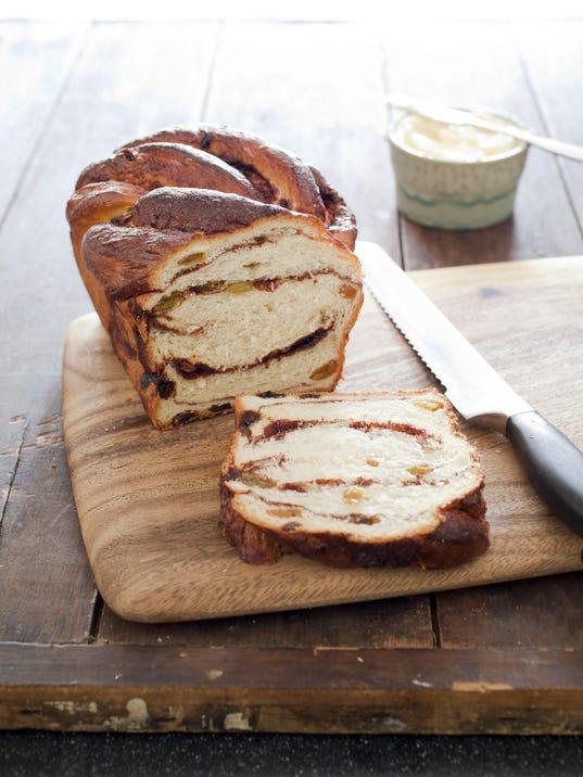 SFS_cinnamon_raisin_bread_BW-22