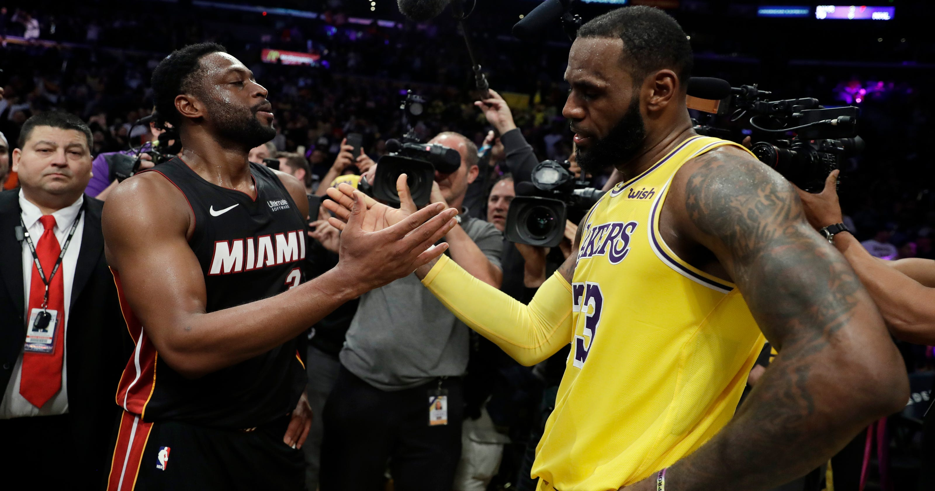 LeBron s Lakers edge Wade s Heat in final meeting 412dc4e87