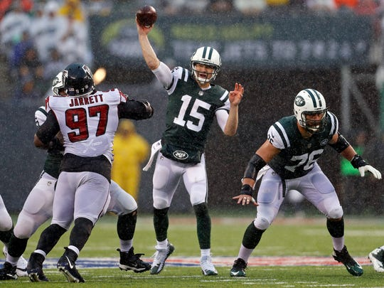 Josh McCown has led the Jets to three victories, thanks in part to a 70.5 completion percentage.