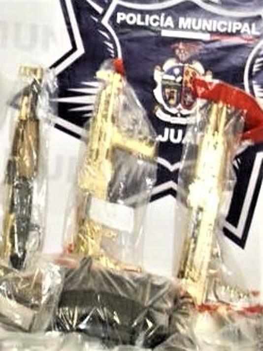 Gold-plated-AK-47Juarez.jpg