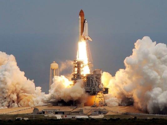-mrb-Atlantis-launch-1.jpg_20090511.jpg