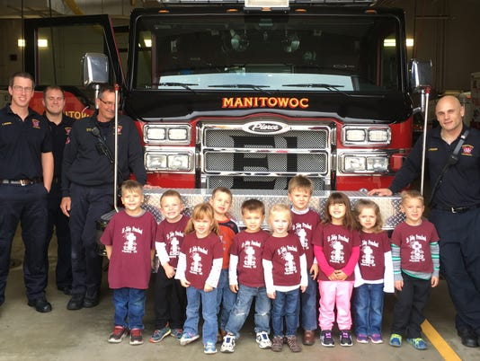 Students' firehouse visit